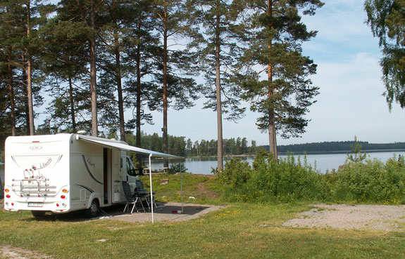 Husbilsliv på Lunedets camping i Karlskoga.