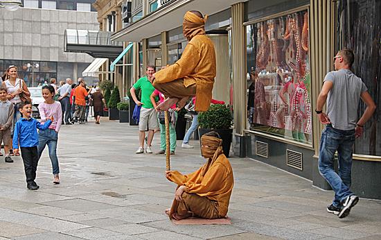 Köln-levande-staty