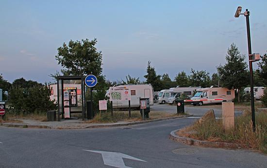 Ställplatsen i Cancale var försedd med bommar och betalautomat, pris 6€.