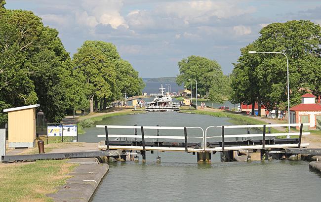 Utsikt över slusstrapporna i Berg, Göta kanal.