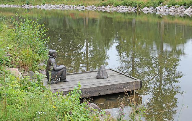 Pojken av Bianca Maria Barmen ingår i Göta kanals skulptur stråk.