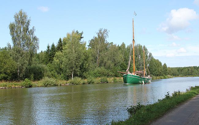 Segelskuta på Göta kanal.