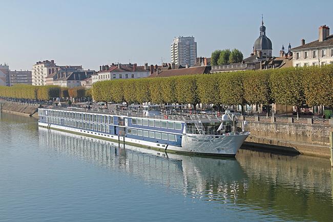 MS RIVER DISCOVERY II ett flytande hotell för 176 gäster. Med en längd på 135 meter tar hon sig fram på Europas floder.