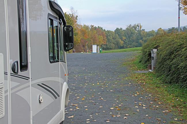 Ställplatsen i Homberg/Efze är gratis inklusive fri el.