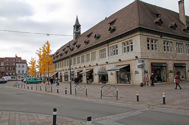 Galleria med exklusiva affärer, inrymda i en vacker gammal byggnad.