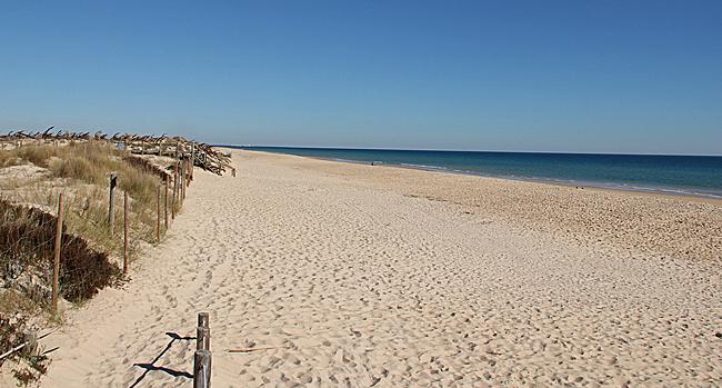 Praia do Barril är den mest pittoreska stranden i regionen