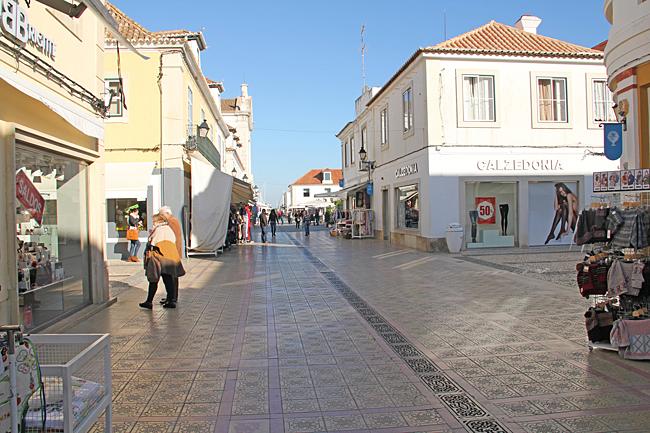 R. Dr. Teófilo Braga Shoppinggatan i Vila Real de Santo António