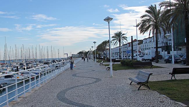 Strandpromenaden i Vila Real.