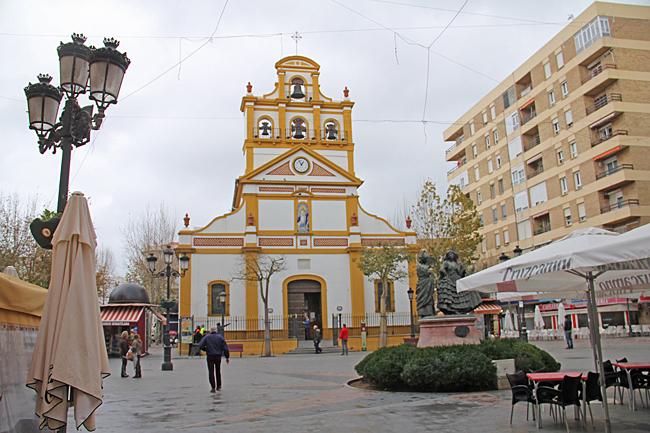 Santuario de la Inmaculada Concepción ligger vid Plaza de la Iglesia.