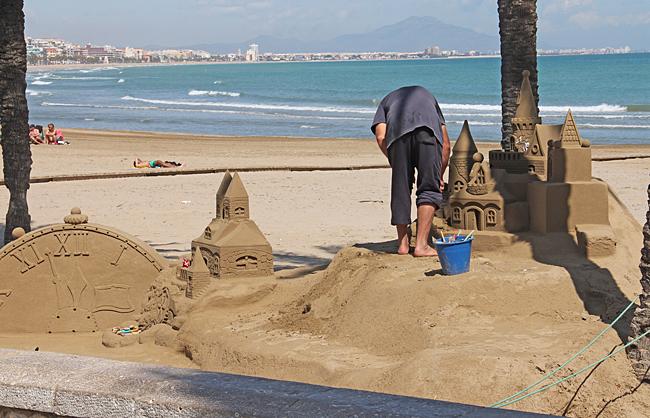 Här pågår byggandet av ett nytt slott.