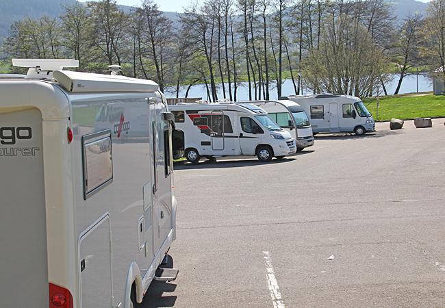 Ställplatsen i Autun är en vanlig parkering med särskilda platser för husbilar.