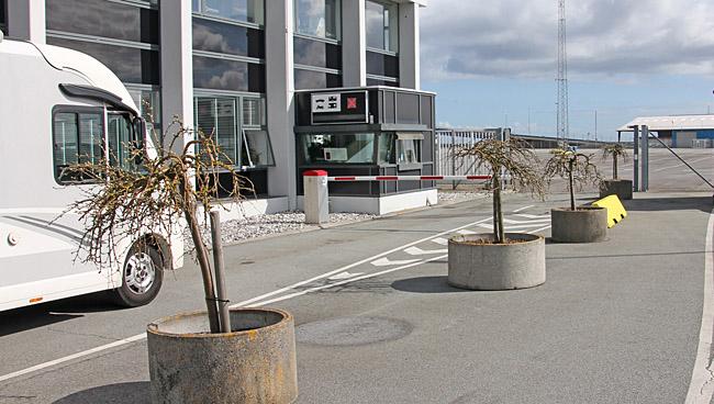 Först på plats vid incheckningen i Grenå.
