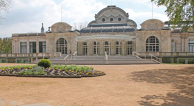 I Vichy finns många vackra gamla byggnader här Operahuset.