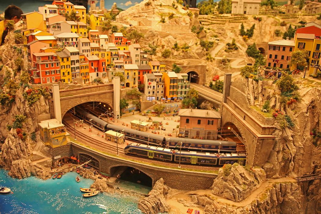 Italien hör till det senaste tillskottet i denna miniatyr värld.