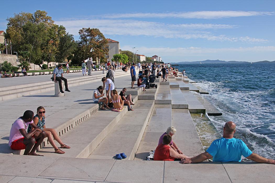 Havsorgeln är en arkitektoniskt konstinstallation i Zadar Kroatien. I trapporna till en av bryggorna har man låtit bygga in ett experimentellt musikinstrument.