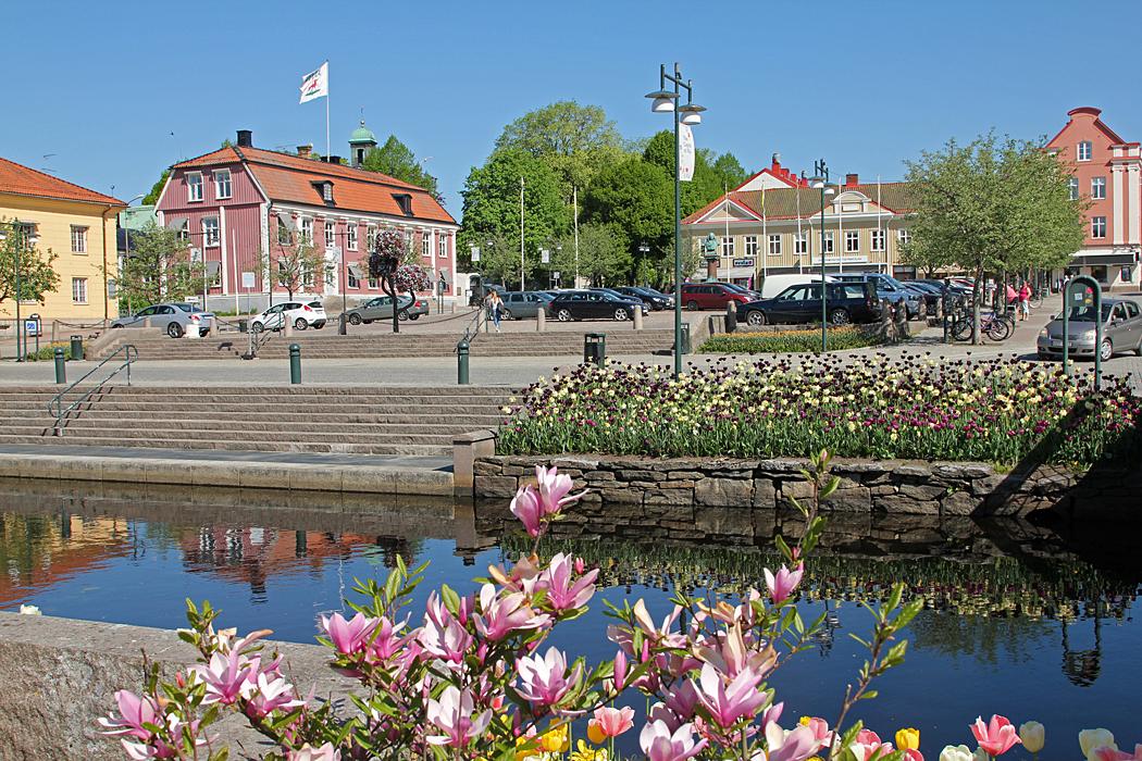 Centrum av Alingsås delas av Säveån.