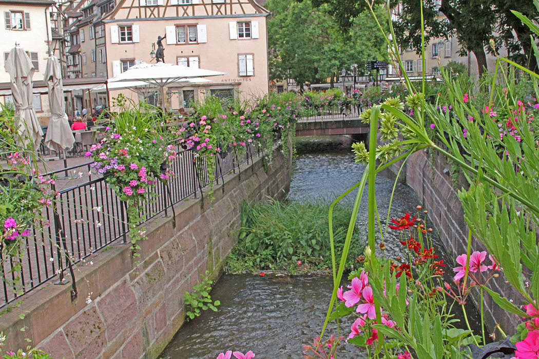 Blomsterprydd kanal.