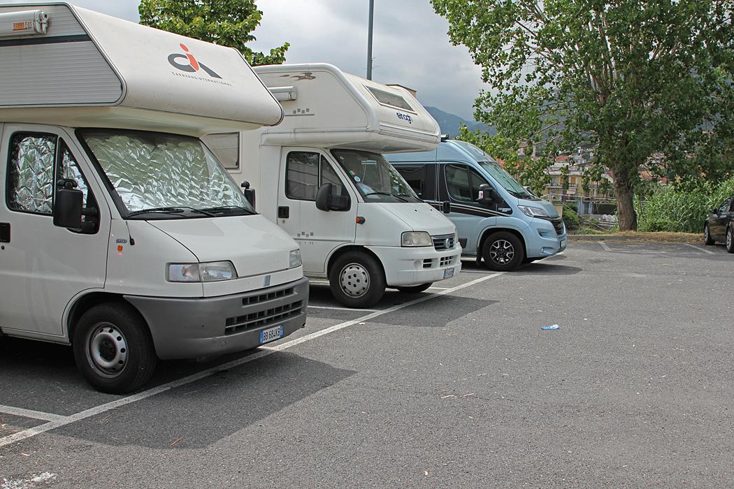 Area la Sosta i Loano var fullbelagd så vi parkerade på en parkering bredvid.