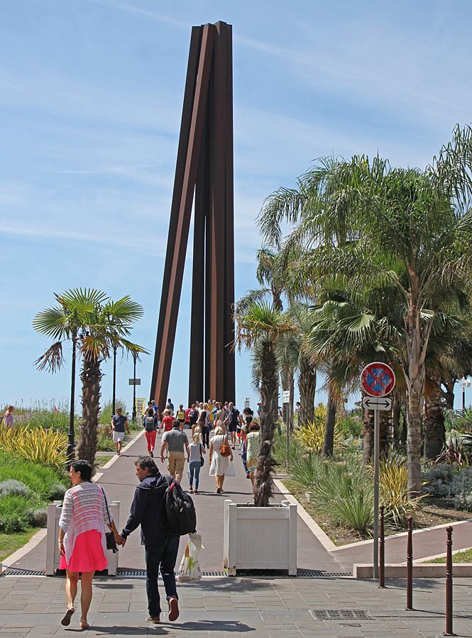 Häftig skulptur i Nice.