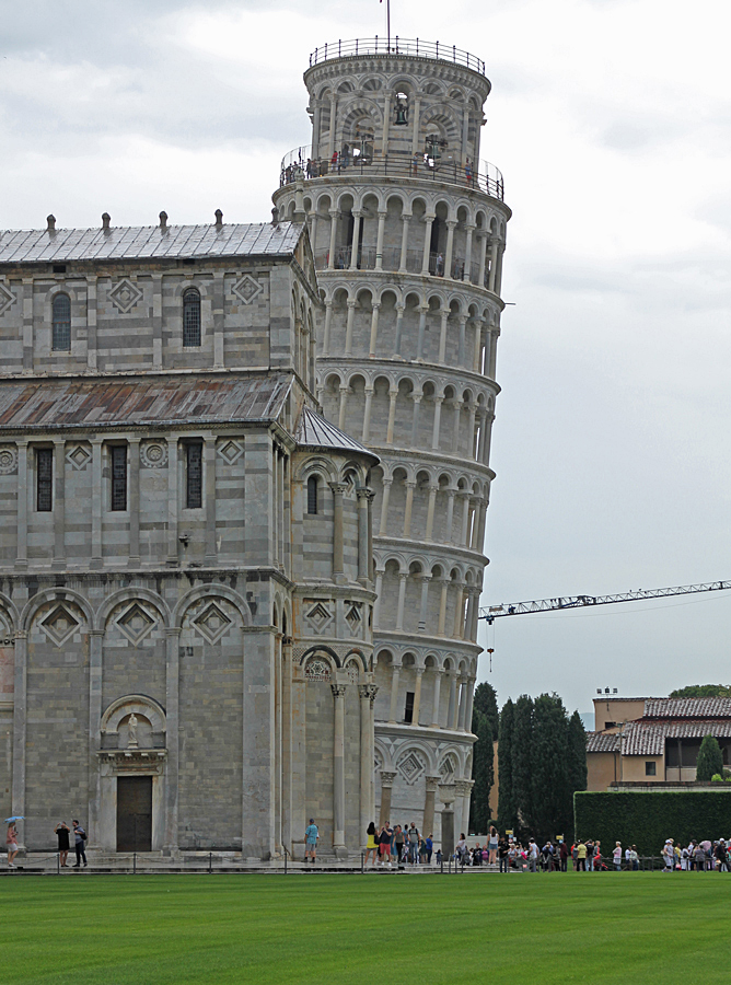 Lutande tornet i Pisa.