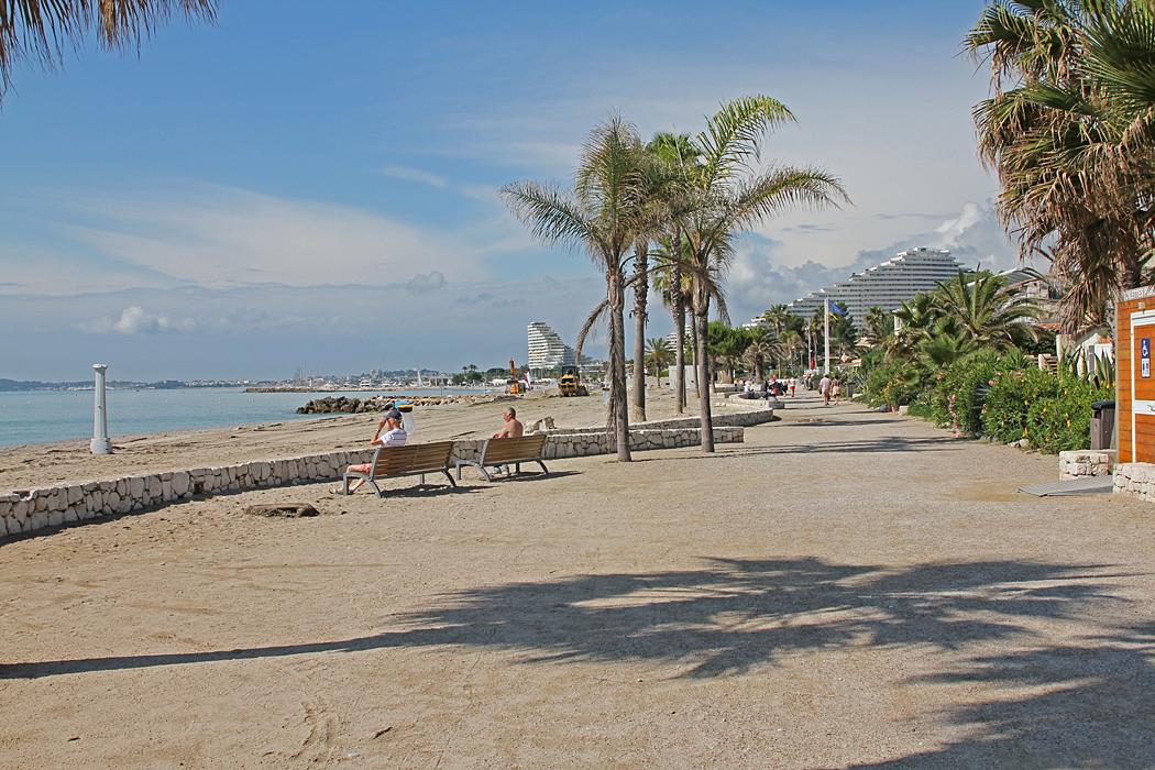 Stranden rakt nedanför campingen i Villeneuve-Loubet.