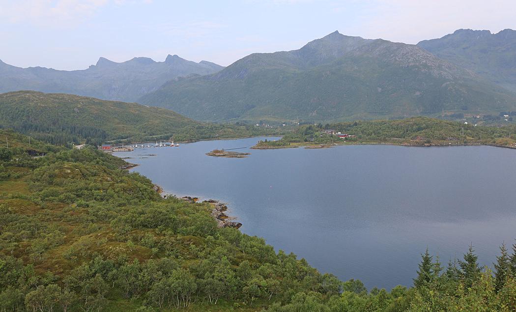 Lofoten bjuder på vackra naturcener hela tiden.
