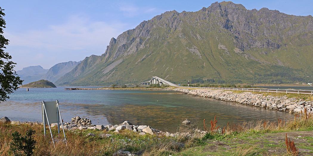 Vår väg ner mot Å på Lofoten gick över ett antal broar.