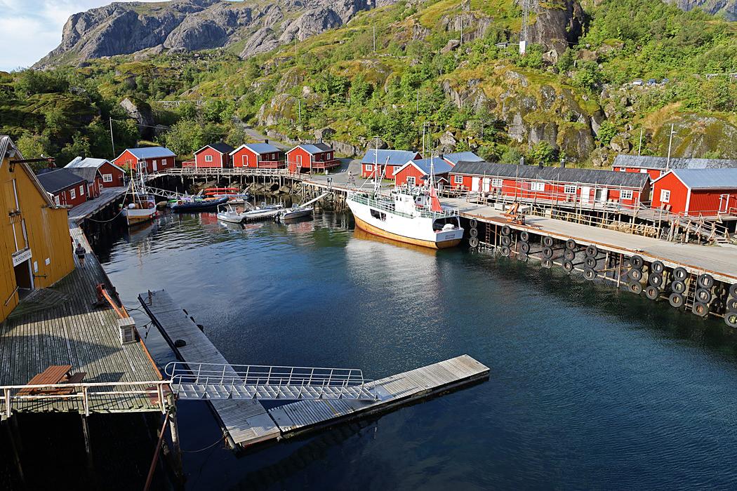 Nusfjord är en Norges äldsta och bäst bevarade fiskebyar och ett UNESCO världsarv.