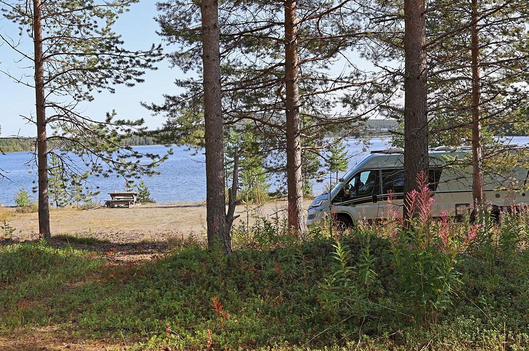 Några kilometer utanför Storuman finns denna naturliga rastplats.