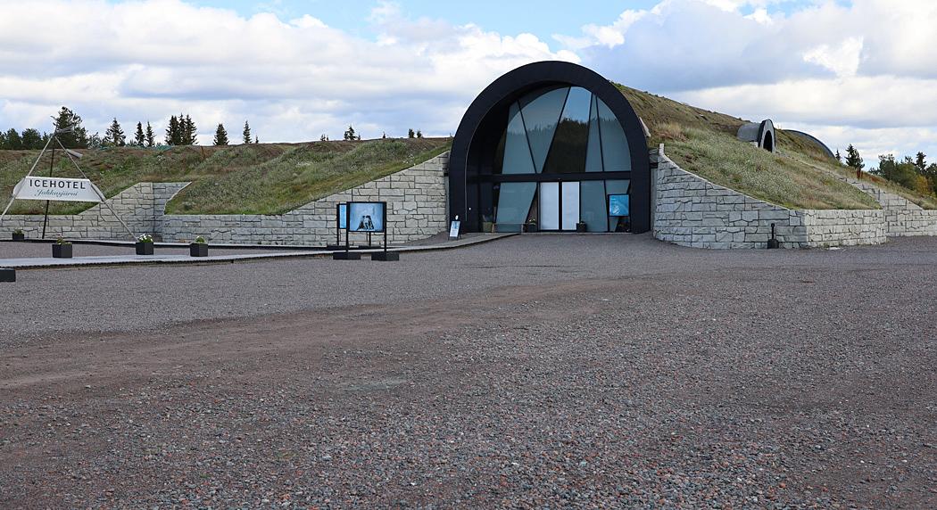 Icehotel 365 stod färdigt 2016, först i världen med att kunna erbjuda isupplevelser året om.