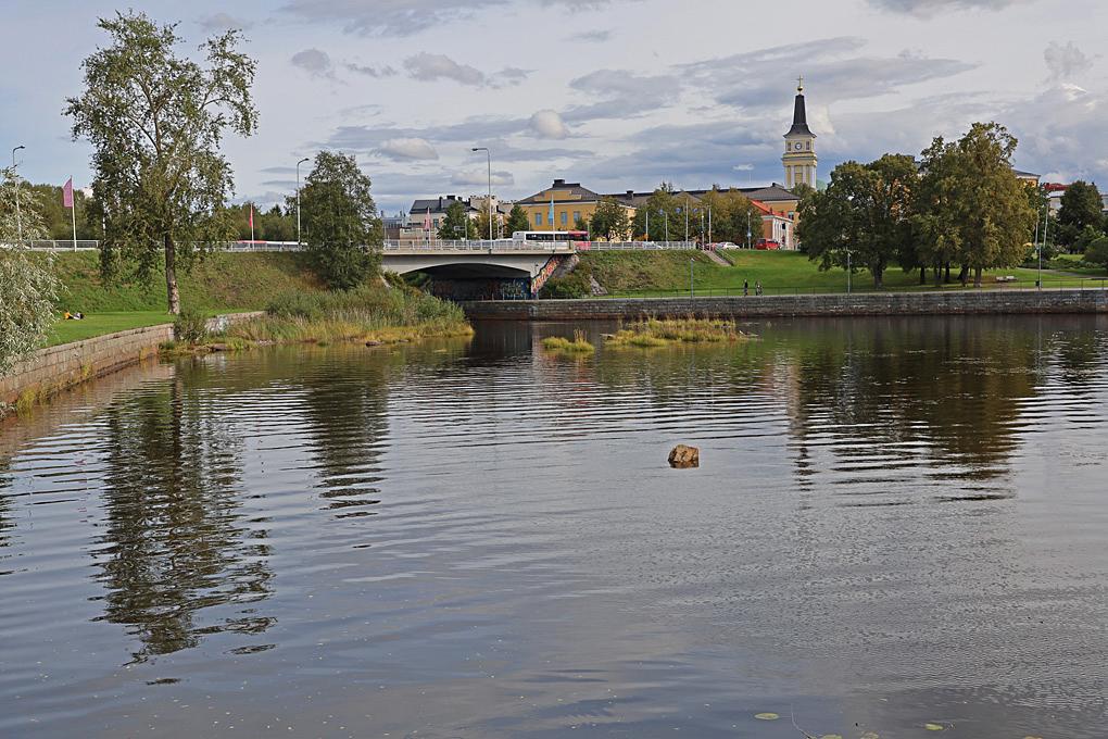 Uleåborg är en stad som ligger vackert omgiven av vatten.