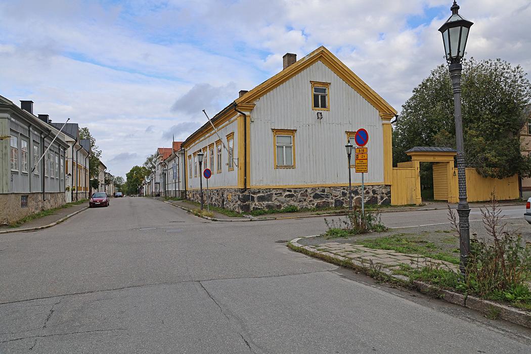 Nära centrum av Karleby finns en av Finlands bäst bevarade historiska trästadsdelar.