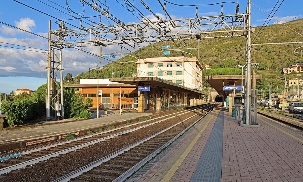Tillbaka på stationen i Levanto.