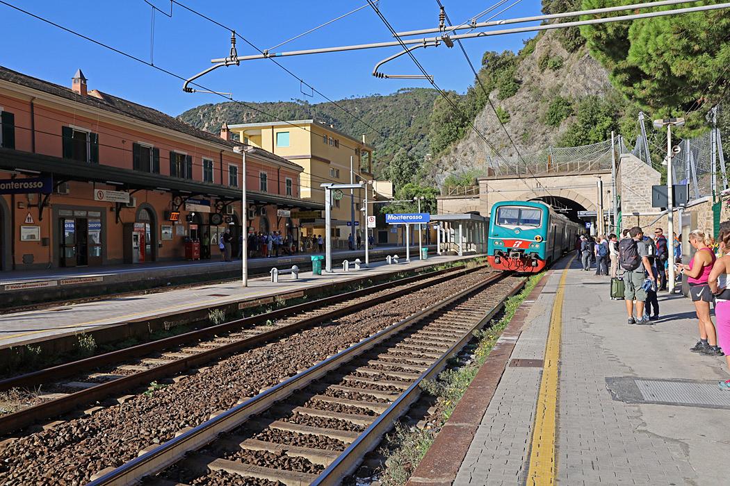 Första stopp från Levanto var Monterosso.