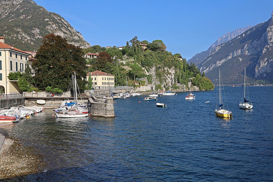 En liten marina i Malgrate mitt emot Lecco.