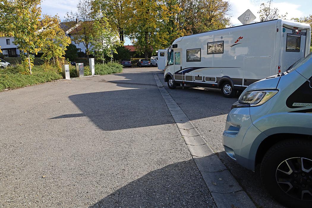 Trångt på ställplatsen/parkeringen i Kempten.