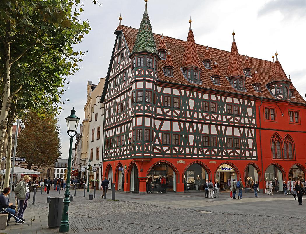 Det välkända korsvirkeshuset Altes Rathaus.