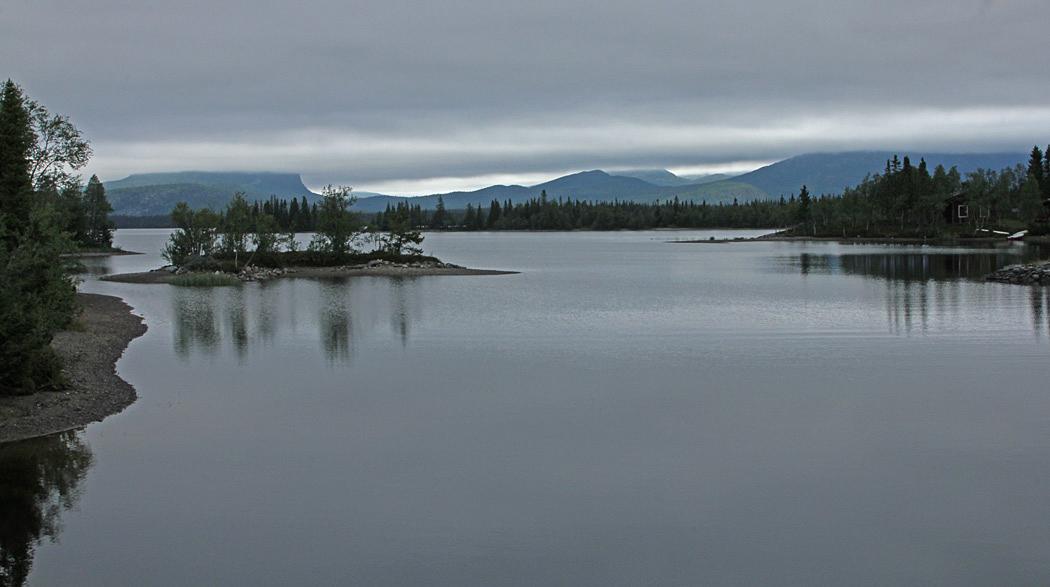 Utsikt mot fjällen vid Saxnäs.