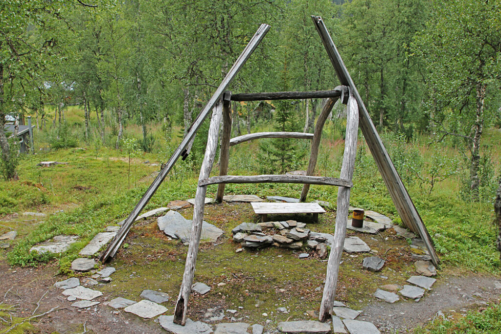 Grundstomme till Kåta i Fatmomakke kyrkby.